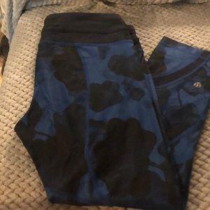 "lululemon athletica Pants & Jumpsuits - Lululemon Pace Rival Crop 22"" Leggings"